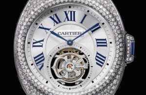The 35 mm replica Clé De Cartier HPI00933 watches have silver-plated dials.