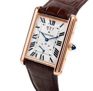 The large size replica Cartier Tank Louis Cartier W1560003 watches have silver-plated dials.