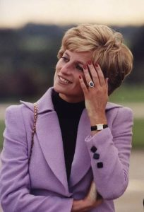 Princess Diana loves the gold fake Cartier Tank.