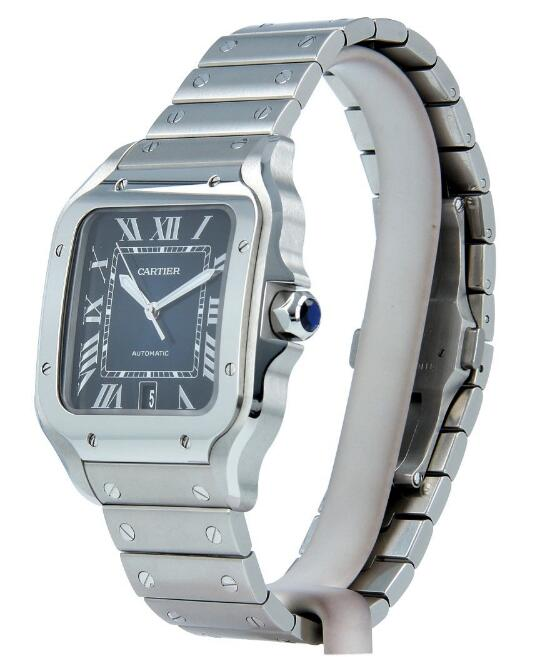 With the polished finish, this Cartier looks very classic and noble.
