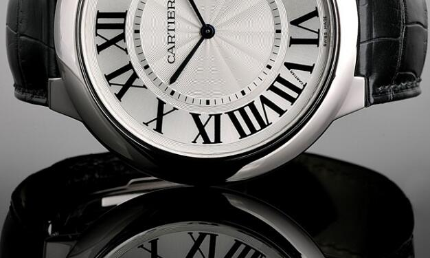 With the classic design, Cartier has been chosen by lots of women including some famous social celebrities.