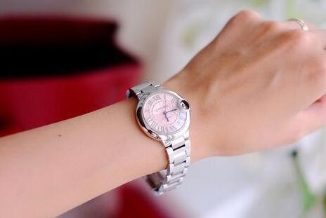 The exquisite timepiece will make all the women wearers more charming.