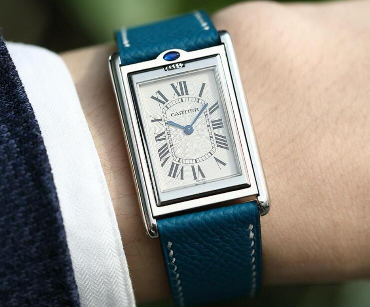 Cartier Tank has been chosen by many famous social celebrities.
